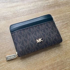 🎀 Michael Kors Wallet Small Signature 🎀